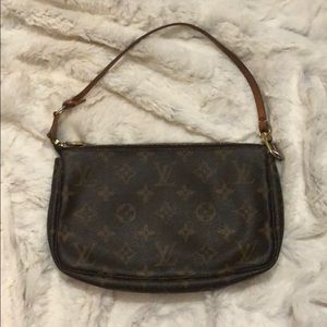 LOUIE VUITTON BAG WITH STRAP!!! Great condition!